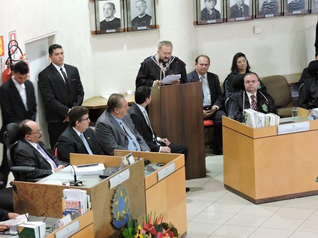 Procurador-Geral representa PMT em posse do novo Presidente do TRE-PI